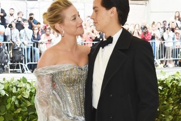 Lili Reinhart And Cole Sprouse Walked The Met Gala Carpet Together And Oh My Bughead