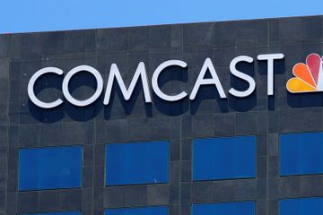 DealBook Briefing: Comcast Gave Up Fox. Now It's All Eyes on Sky.