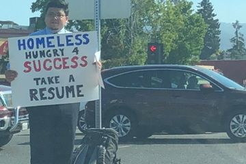 Homeless man hands out resumes instead of asking for money