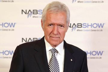 Alex Trebek debuts new look for 'Jeopardy!' premiere