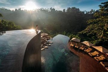 20 Most Insane Swimming Pools in the World