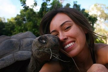 This warm-hearted woman loves cold-blooded reptiles (30 Photos)