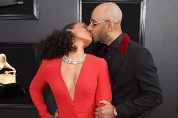 Alicia Keys Stays Close to Swizz Beatz During Her Big Night Hosting the Grammys