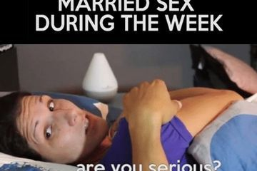 Chili dogs and Married sex during the week (8 GIFs)