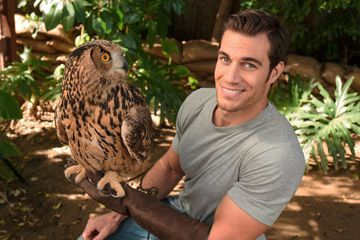 Hunky vet will get you purring on Animal Planet's 'Evan Goes Wild'
