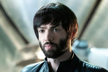 'Star Trek: Discovery' star on Spock's evolution: 'It's nice to see heroes become heroes'