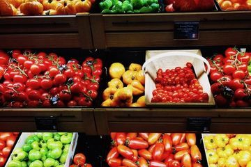'Nude shopping' boosts vegetable and fruit sales drastically