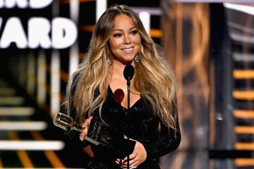 "Living Legend Mariah Carey Tears Up Accepting Her BBMAs Icon Award: ""All Things Are Possible"""