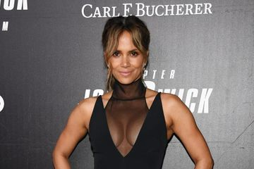 Halle Berry Said It's Officially Ab Season and Blessed Us With Her Core-Shredding Workout