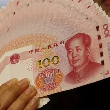 How China's Currency Could Help It Weather a Trade War, at a Cost