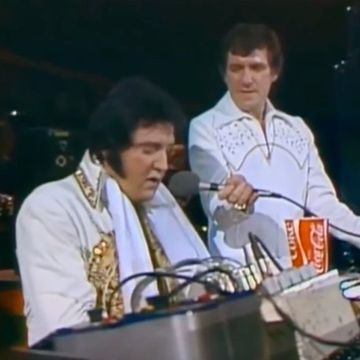 Just before Elvis' heart stopped beating, he delivered this one last performance (Video)