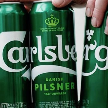 Carlsberg replaces plastic six-pack rings with glue