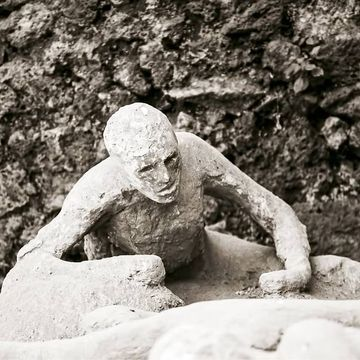 This 2,000-year-old message from Pompeii's ruins is freaking me out