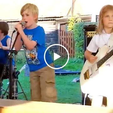 Band of 8 year olds nails Enter Sandman by Metallica (Video)
