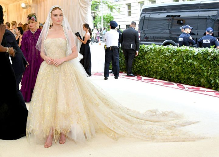 Kate Bosworth definitely knows a thing or two about red carpets. But I think we can all agree that she really really really killed the 2018 Met Gala red carpet.