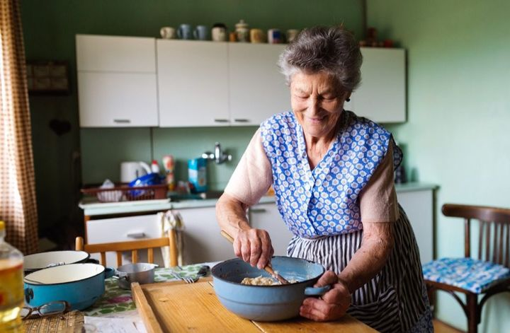 grandma-cooking-1024x670.jpg