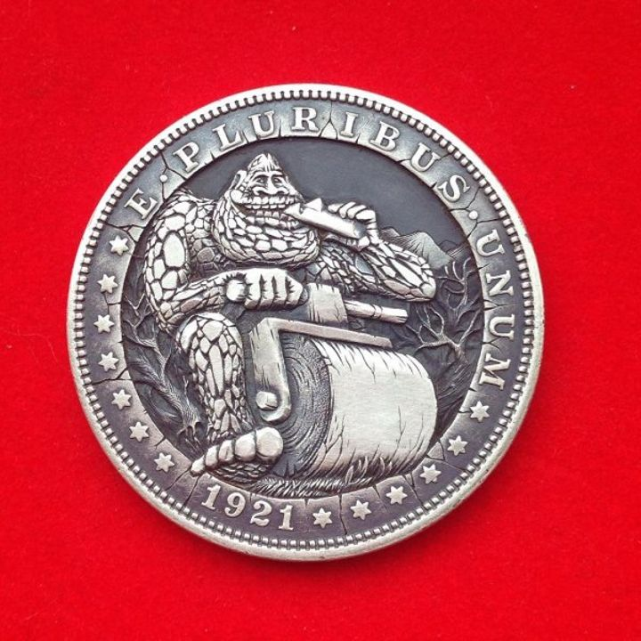 russian-artist-creates-amazing-engraved-hobo-coins-22-photos-10.jpg?quality=85&strip=info&w=600