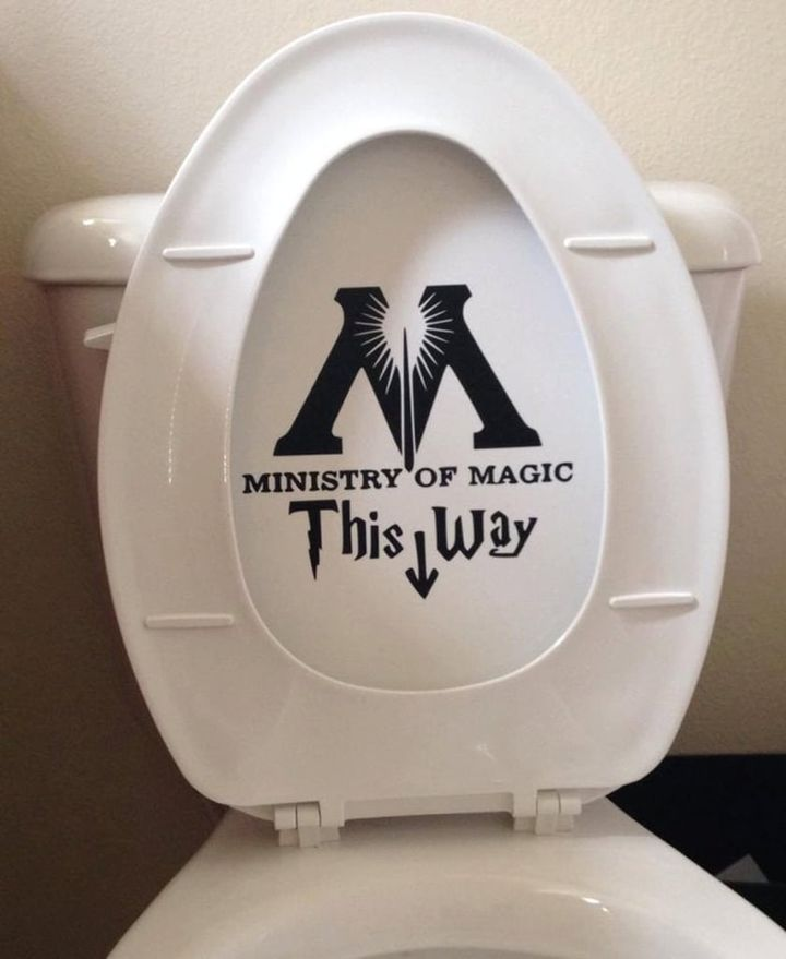 Ministry-Magic-Toilet-Harry-Potter-Decal.jpg