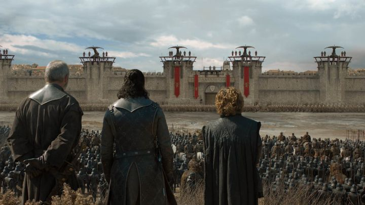 Why-Does-Cersei-Even-Let-Daenerys-Forces-Get-Close-King-Landing.jpg